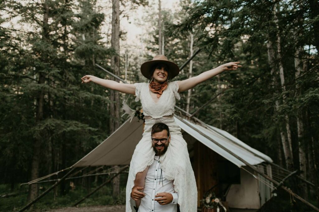 wedding couple love boho hippie photography the wanderer